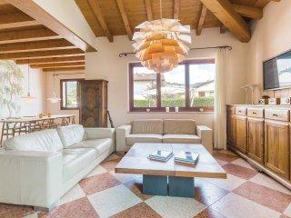 6 bedroom Villa in Cavalo, Veneto, Italy : ref 5542532