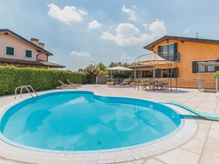 7 bedroom Villa in Cavalo, Veneto, Italy : ref 5542532