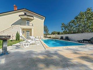 6 bedroom Villa in Čabrunići, Istria, Croatia : ref 5542450