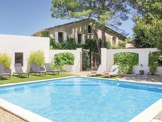 4 bedroom Villa in Montélimar, Auvergne-Rhône-Alpes, France : ref 5542428