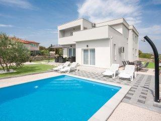 4 bedroom Villa in Zaton, Sibensko-Kninska Zupanija, Croatia : ref 5542425