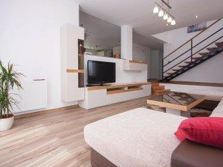 4 bedroom Villa in Zaton, Šibensko-Kninska Županija, Croatia : ref 5542425