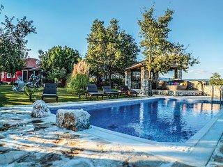3 bedroom Villa in Karini, Splitsko-Dalmatinska Županija, Croatia : ref 5542372