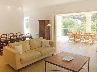 5 bedroom Villa in Cavalaire-sur-Mer, Provence-Alpes-Côte d'Azur, France : ref