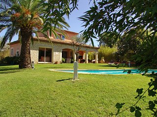 3 bedroom Villa in Cogolin, Provence-Alpes-Côte d'Azur, France : ref 5541693