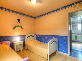 3 bedroom Villa in Romatet, Nouvelle-Aquitaine, France : ref 5541659