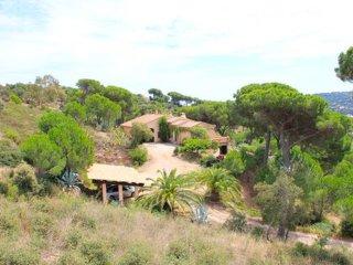 4 bedroom Villa in Sainte-Maxime, Provence-Alpes-Côte d'Azur, France : ref 55415