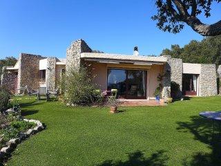 4 bedroom Villa in Saint-Aygulf, Provence-Alpes-Cote d'Azur, France : ref 554157