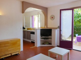 5 bedroom Apartment in Narbonne-Plage, Occitania, France : ref 5541502