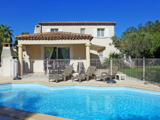 4 bedroom Villa in Saint-Cyr-sur-Mer, Provence-Alpes-Côte d'Azur, France : ref 5
