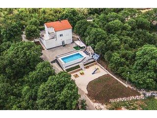 4 bedroom Villa in Lokvicic, Splitsko-Dalmatinska Zupanija, Croatia : ref 554132