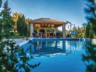 4 bedroom Villa in Karini, Splitsko-Dalmatinska Zupanija, Croatia : ref 5541314