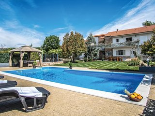 5 bedroom Villa in Topici, Splitsko-Dalmatinska Zupanija, Croatia : ref 5541308