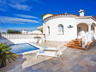 3 bedroom Villa in Empuriabrava, Catalonia, Spain : ref 5541247