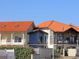 4 bedroom Apartment in Biscarrosse-Plage, Nouvelle-Aquitaine, France : ref 55412
