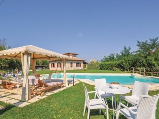6 bedroom Villa in Pontenaia, Umbria, Italy : ref 5541068