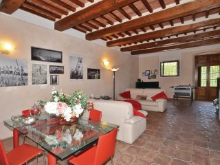 5 bedroom Villa in Fiocina, Tuscany, Italy : ref 5541053
