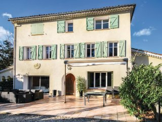 5 bedroom Villa in La Palasse, Provence-Alpes-Côte d'Azur, France : ref 5540861