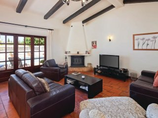 3 bedroom Villa in Alcalar, Faro, Portugal : ref 5540829