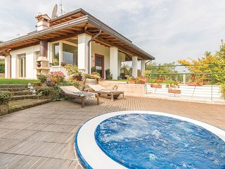 3 bedroom Villa in Lazise, Veneto, Italy : ref 5540691