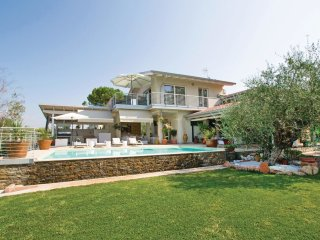 3 bedroom Villa in Vanon, Veneto, Italy : ref 5540681