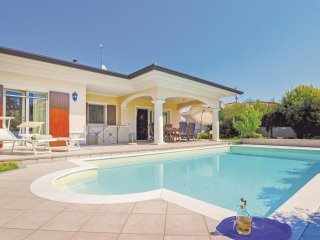 3 bedroom Villa in Manerba del Garda, Lombardy, Italy : ref 5540679