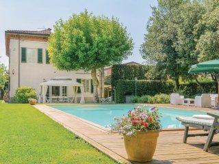 5 bedroom Villa in Ai Borelli, Tuscany, Italy : ref 5540311