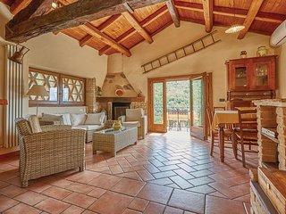 3 bedroom Villa in Fivizzano, Tuscany, Italy : ref 5540297