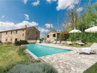 4 bedroom Villa in Lilliano, Tuscany, Italy : ref 5540197