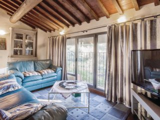 3 bedroom Villa in Lucardo, Tuscany, Italy : ref 5540192