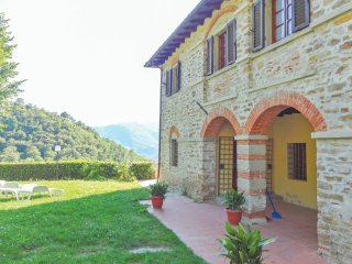 6 bedroom Villa in Dicomano, Tuscany, Italy : ref 5540239
