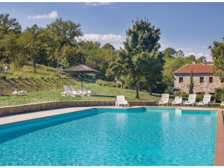 6 bedroom Villa in Villa Barone, Tuscany, Italy : ref 5540186