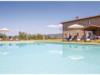 7 bedroom Villa in Villa Barone, Tuscany, Italy : ref 5540176