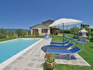 4 bedroom Villa in Le Fosse, Tuscany, Italy : ref 5540163
