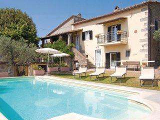 4 bedroom Villa in Cortona, Tuscany, Italy : ref 5540155