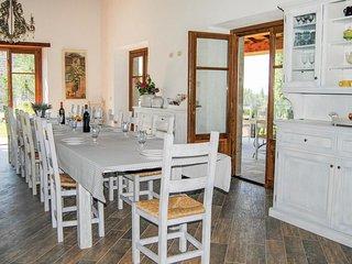 9 bedroom Villa in Il Poggiolo, Tuscany, Italy : ref 5540148