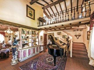 4 bedroom Villa in Bugiana, Tuscany, Italy : ref 5540142