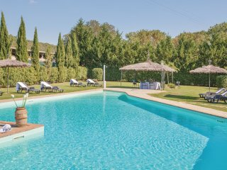 12 bedroom Villa in Villa Barone, Tuscany, Italy : ref 5540133