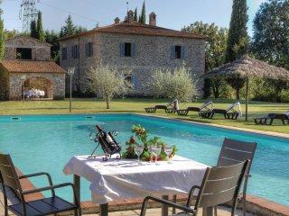 6 bedroom Villa in Gavignano, Tuscany, Italy : ref 5540131