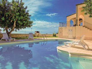 4 bedroom Villa in Donnalucata, Sicily, Italy : ref 5540085