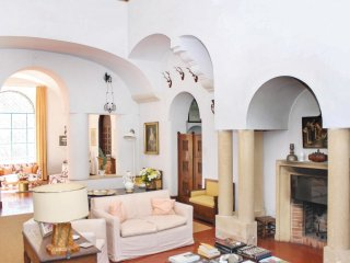 6 bedroom Villa in Monte Gallo-San Barbato, Apulia, Italy : ref 5539962
