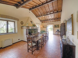 3 bedroom Villa in Marta, Latium, Italy : ref 5539952