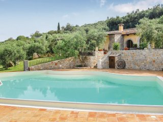 4 bedroom Villa in Sèrapo, Latium, Italy : ref 5539905