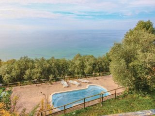 6 bedroom Villa in Castellabate, Campania, Italy : ref 5539768