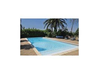 6 bedroom Villa in Albaron, Provence-Alpes-Cote d'Azur, France : ref 5539364