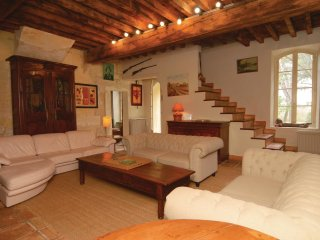 6 bedroom Villa in Albaron, Provence-Alpes-Côte d'Azur, France : ref 5539364