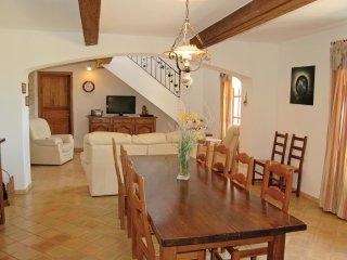 4 bedroom Villa in Sainte-Croix-a-Lauze, Provence-Alpes-Cote d'Azur, France : re