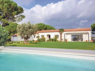 4 bedroom Villa in Montcalm, Occitania, France : ref 5539208