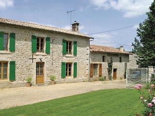 4 bedroom Villa in Souvigné, Nouvelle-Aquitaine, France : ref 5539160