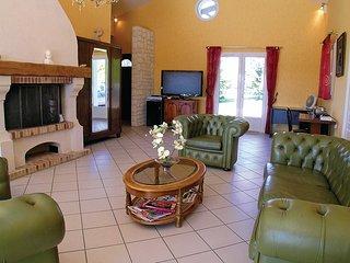 4 bedroom Villa in Bellon, Nouvelle-Aquitaine, France : ref 5539155